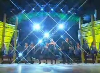 Ils commencent une danse irlandaise à deux, mais le spectacle est Encore à venir