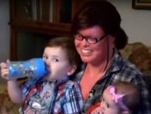 ÉTATS-UNIS: Cette fille est née avec une maladie très rare… attendez de voir son courage !
