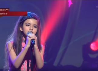 Elle monte sur scène à seulement 9 ans et émerveille le public avec sa voix enchanteresse