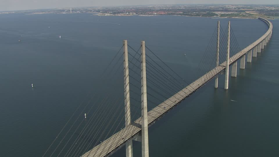 Regardez ce pont incroyable reliant la Suède au Danemark
