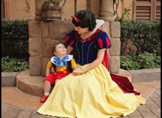 Un Enfant Autiste De 2 Ans Rencontre Blanche Neige: Ce Que Filme La Maman Est Magnifique│MiniBuzz