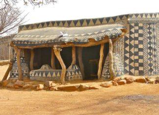 voici un village africain où chaque maison est une œuvre d'art… attendez de voir comment c'est magnifique !│MiniBuzz