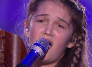 Avec sa voix et son instrument, cette fille de 15 ans va séduire le public et les jurés
