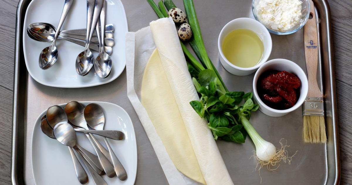 Mettez Au Four Les Cuillères Sur La Pâte Feuilletée: Voici Une Astuce Parfaite Pour L'apéritif!