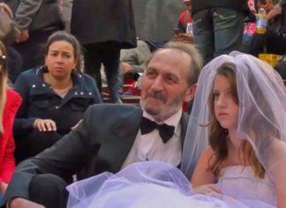 Une petite fille et un homme font semblant de se marier : la réaction des gens va vous surprendre