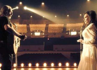 Deux Légendes De La Musique Country Ensemble Sur Scène: Laissez-vous Enchanter Par Leurs Voix! │MiniBuzz