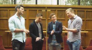 4 Garçons Chantent Un Vieil Hymne... L'harmonie De Leurs Voix Est Superbe | Minibuzz