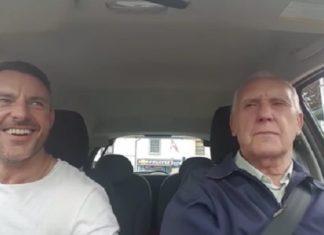 Atteint d'Alzheimer, il chante avec son fils. Un moment magnifique. │ MiniBuzz