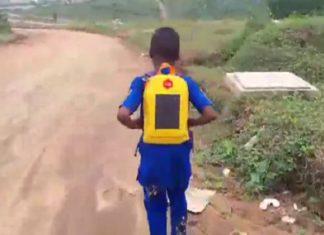 Le cartable solaire pourrait changer la vie de millions d'écoliers (vidéo). │ MiniBuzz