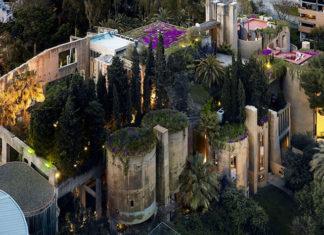 Un architecte crée sa maison dans une immense cimenterie abandonnée│ MiniBuzz