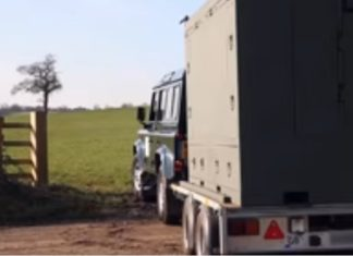 Voici comment ce container peut sauver des vies en cas de catastrophe naturelle. │ MiniBuzz