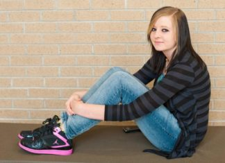Cette jeune femme de 17 ans vient d'accoucher, maintenant elle doit mourir... Tout était prévu. │MiniBuzz