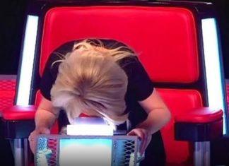 La juge s'effondre en l'entendant chanter, regardez bien qui est sur la scène! Incroyable! │ MiniBuzz